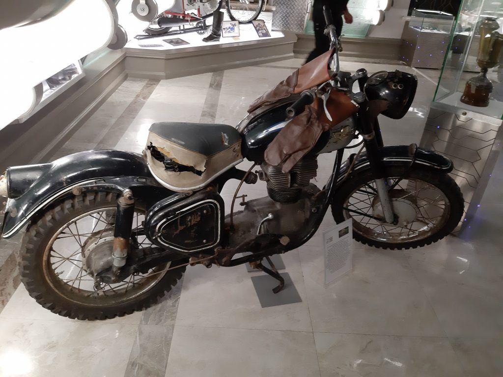 Мотоцикл в зале «Технические виды спорта». Фото: Екатерина Мельниченко