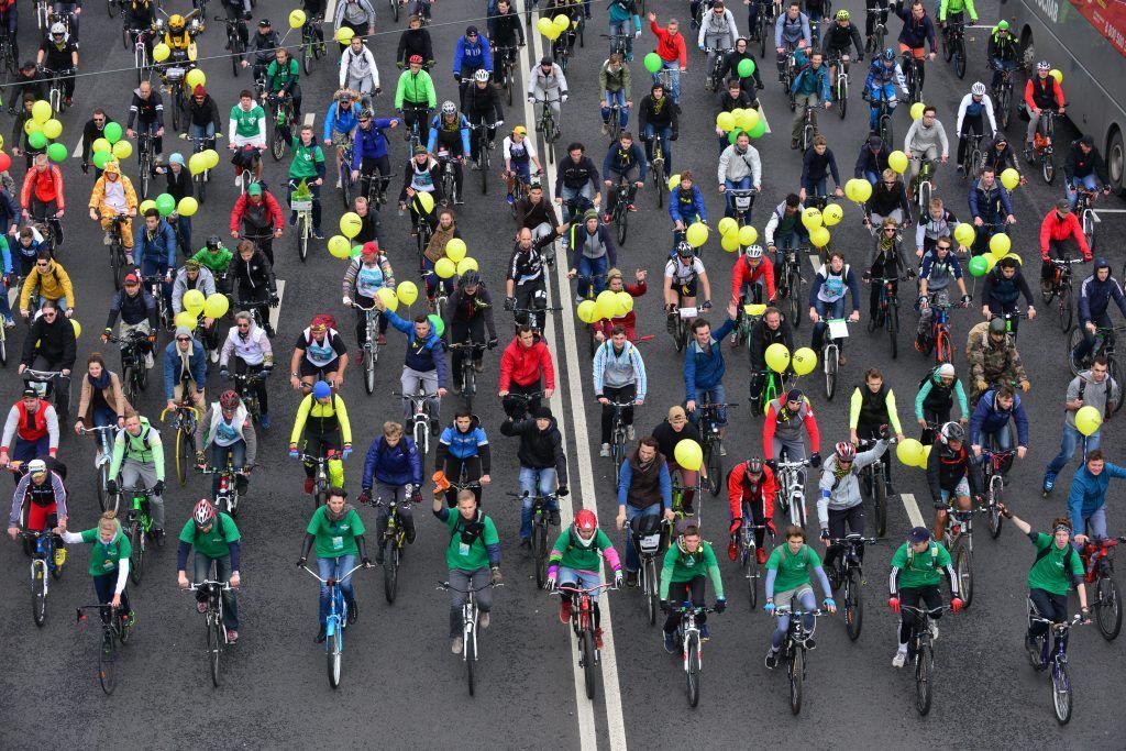 Экипажи Центра организации дорожного движения помогут московским водителям во время велофестиваля