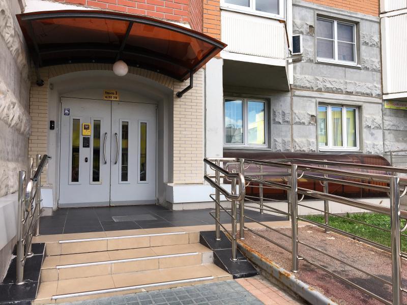 Специалисты отремонтируют 48 подъездов домов в Тверском районе