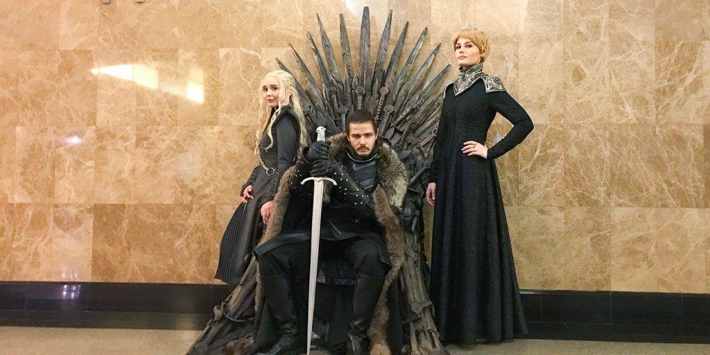 Железный трон появился в столичном метрополитене