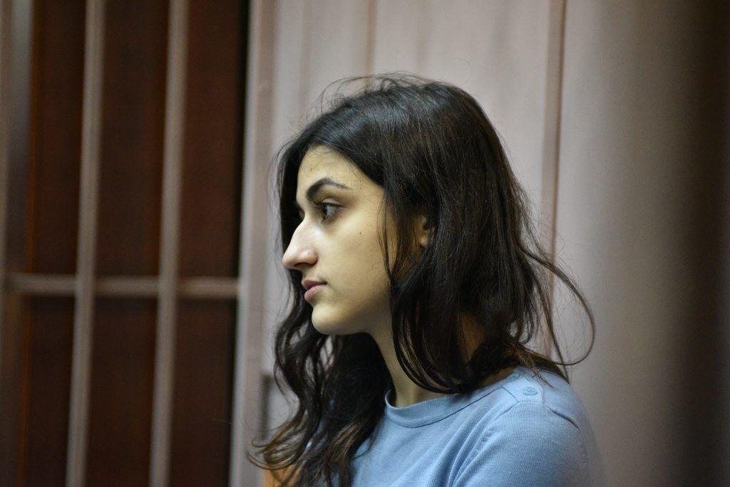 Суд Москвы продлил меру пресечения всем сестрам Хачатурян