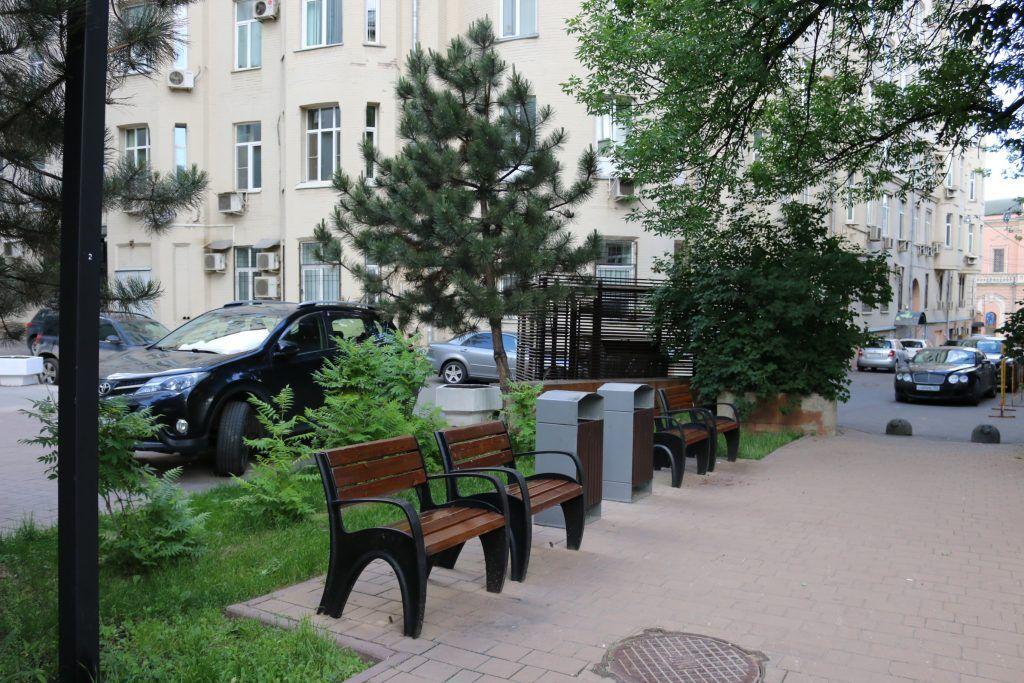 Четыре двора привели в порядок в Тверском районе