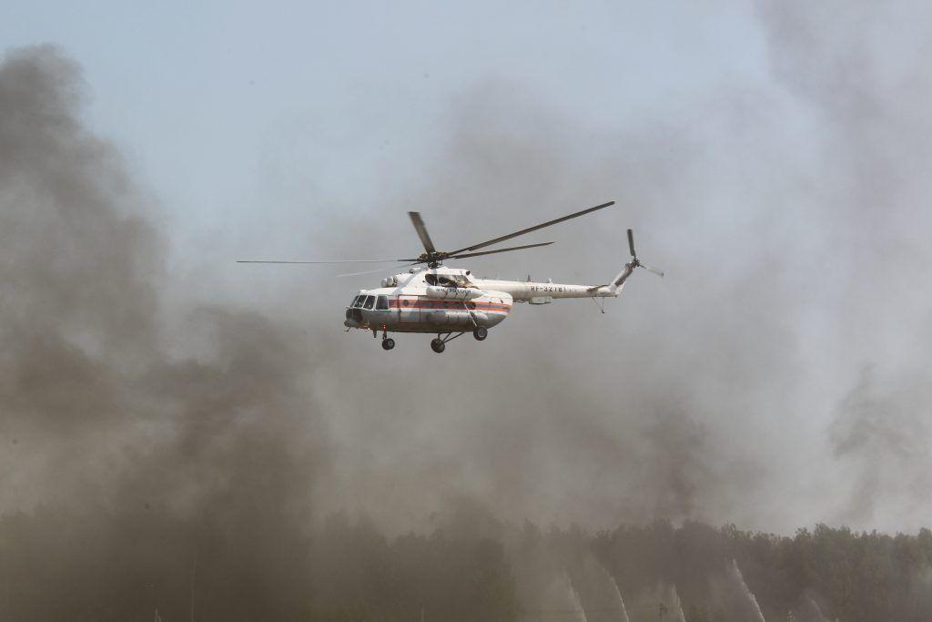 Пожарные потушили возгорание мусора на 250 «квадратах» в Москве