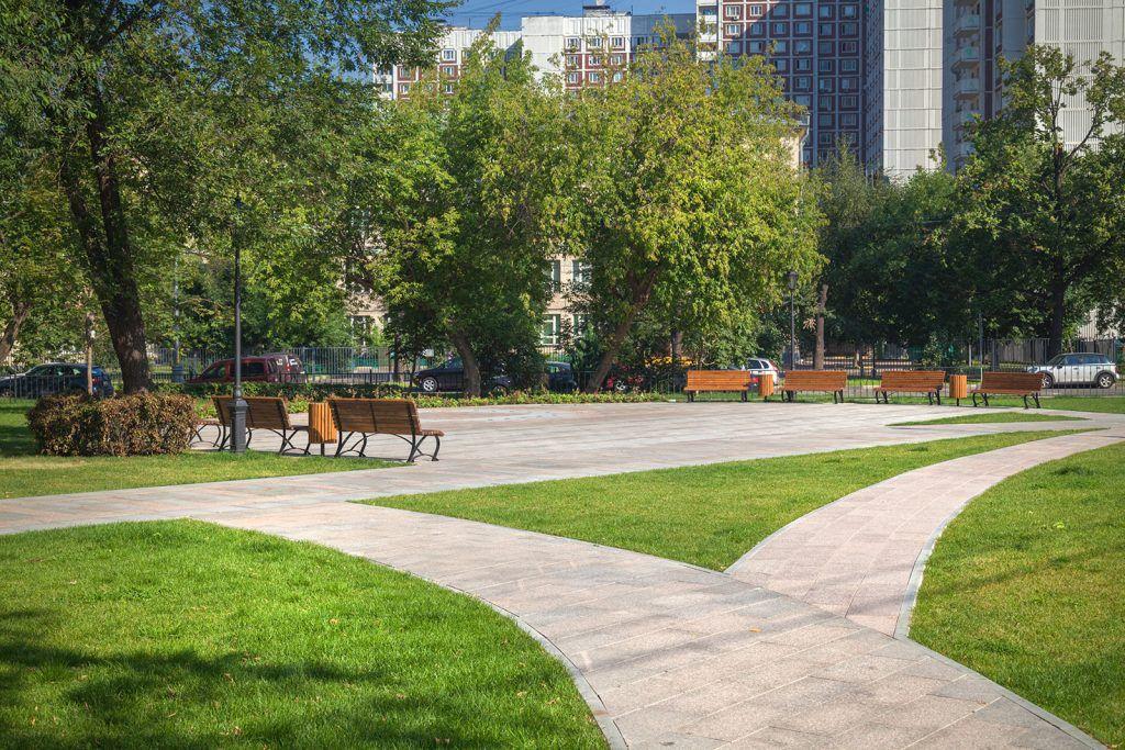 Более 20 дворовых территорий благоустроят в Мещанском районе