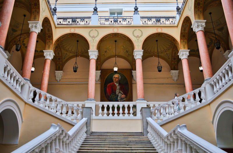 Высшую математику начнут изучать на факультете журналистики университета имени Ломоносова