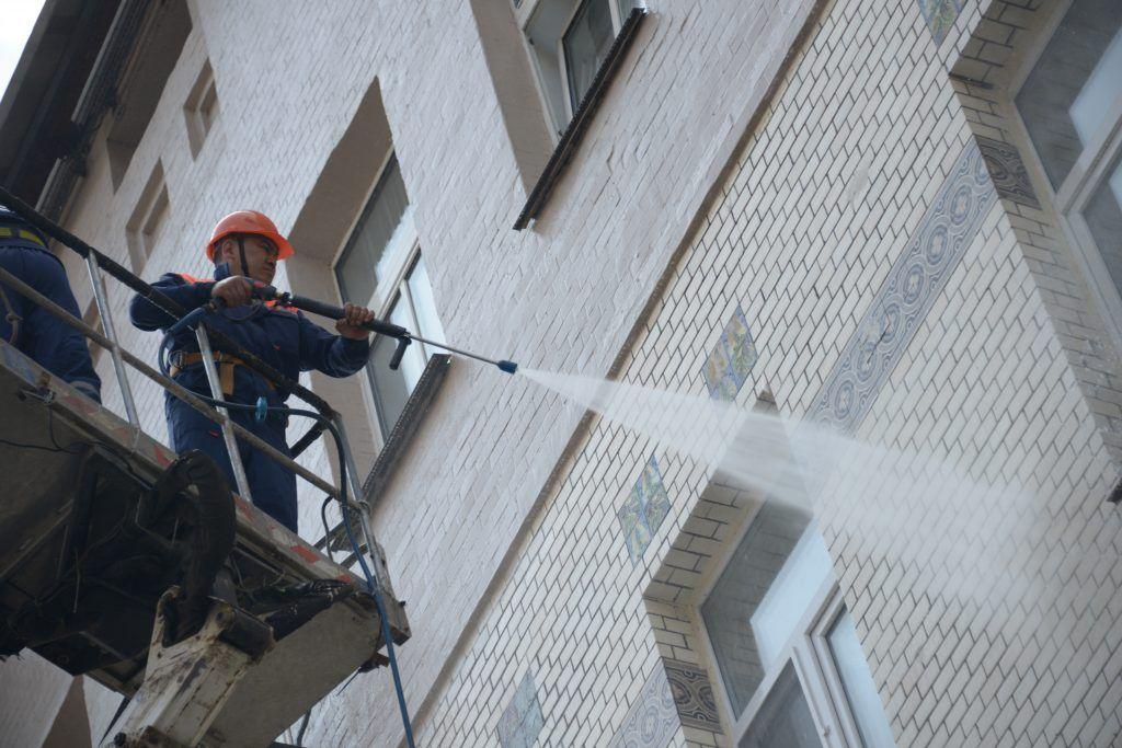 Москва побьет рекорд по промывке фасадов домов