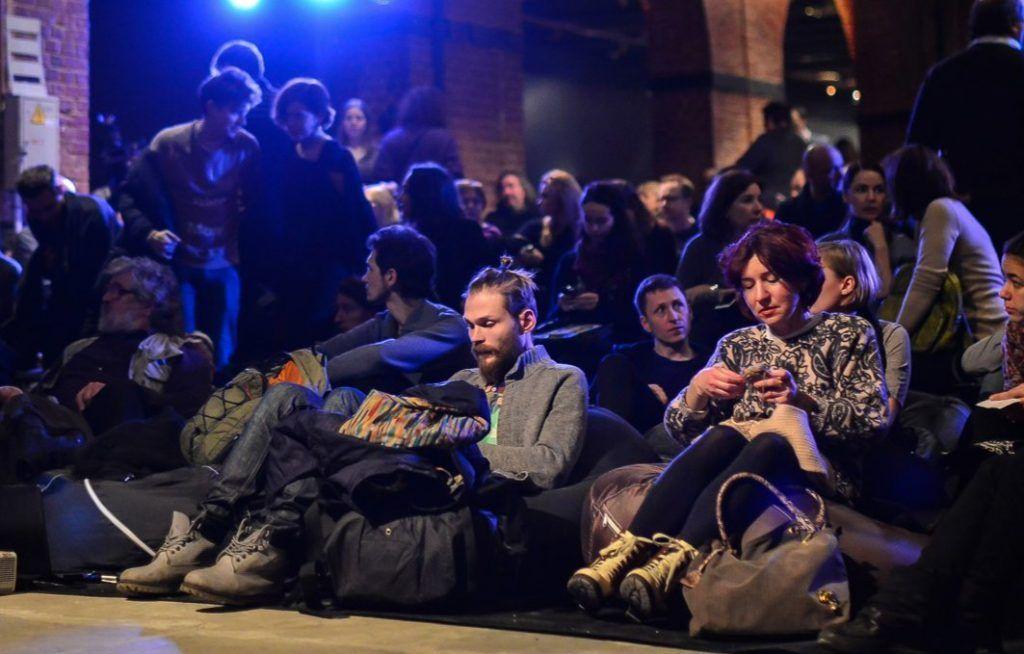 Сотрудники музея имени Маяковского организуют торжественные мероприятия в центре Москвы