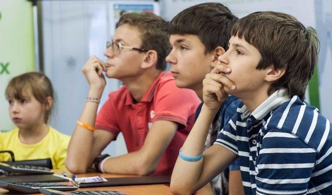 Уроки английского для детей проведут в саду имени Баумана. Фото: сайт мэра Москвы