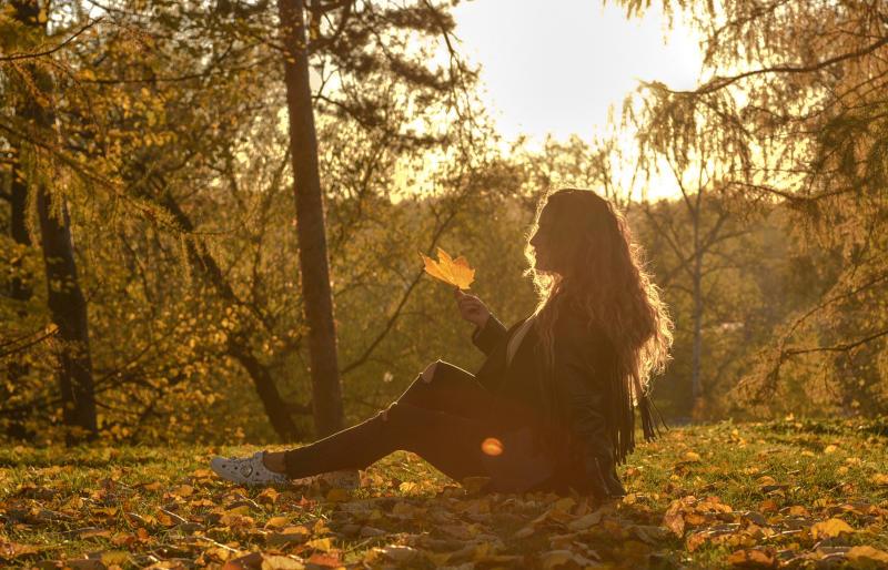 Осень всегда надевается с водолазками и шарфами