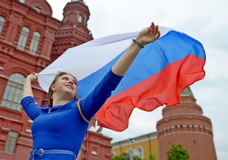 В столице продолжают отмечать 350-летие флага России. Фото: Наталья Феоктистова, «Вечерняя Москва»