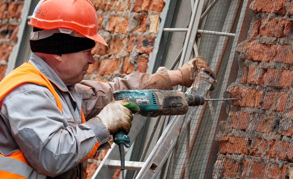 Этап работ по капитальному ремонту дома на улице Щипок завершат в ближайшие дни