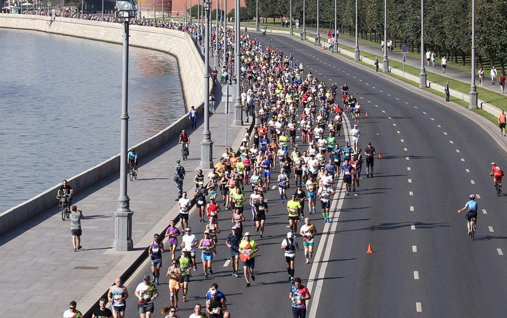 Жители столицы пробегут более 20 километров по набережным Москвы. Фото: сайт мэра Москвы