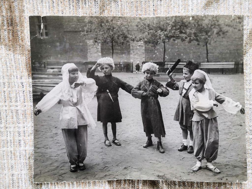 Танцевальный кружок. Фото из личного архива Татьяны Меньшиковой