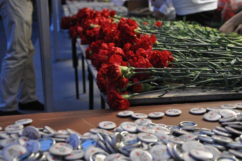 Представители Центра поддержки семьи и детства «Красносельский» поучаствовали в памятной акции. Фото: Денис Кондратьев