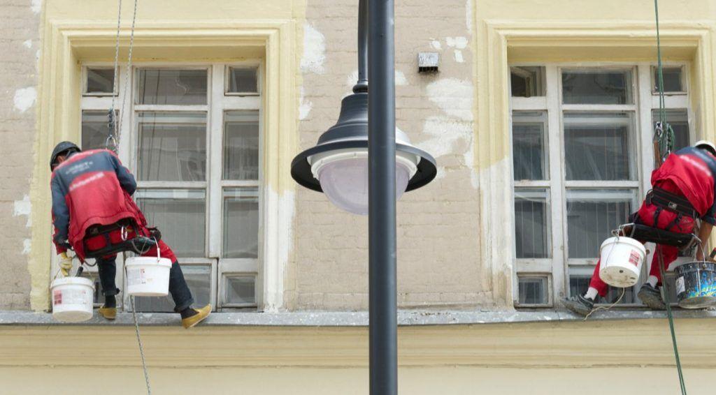 Фасады жилых домов приведут в порядок в Мещанском районе