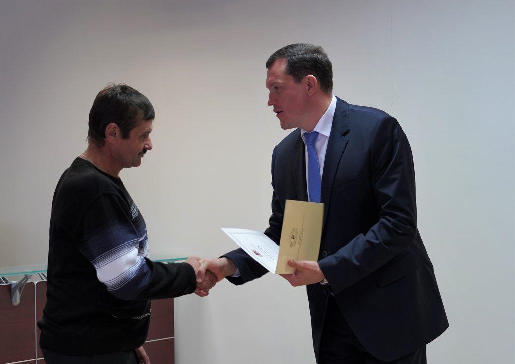 Владимир Говердовский поздравил водителей с профессиональным праздником