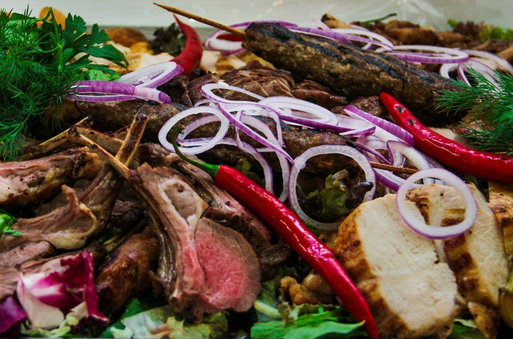 Мясо — залог здорового и крепкого организма. Фото: Алена Наумова