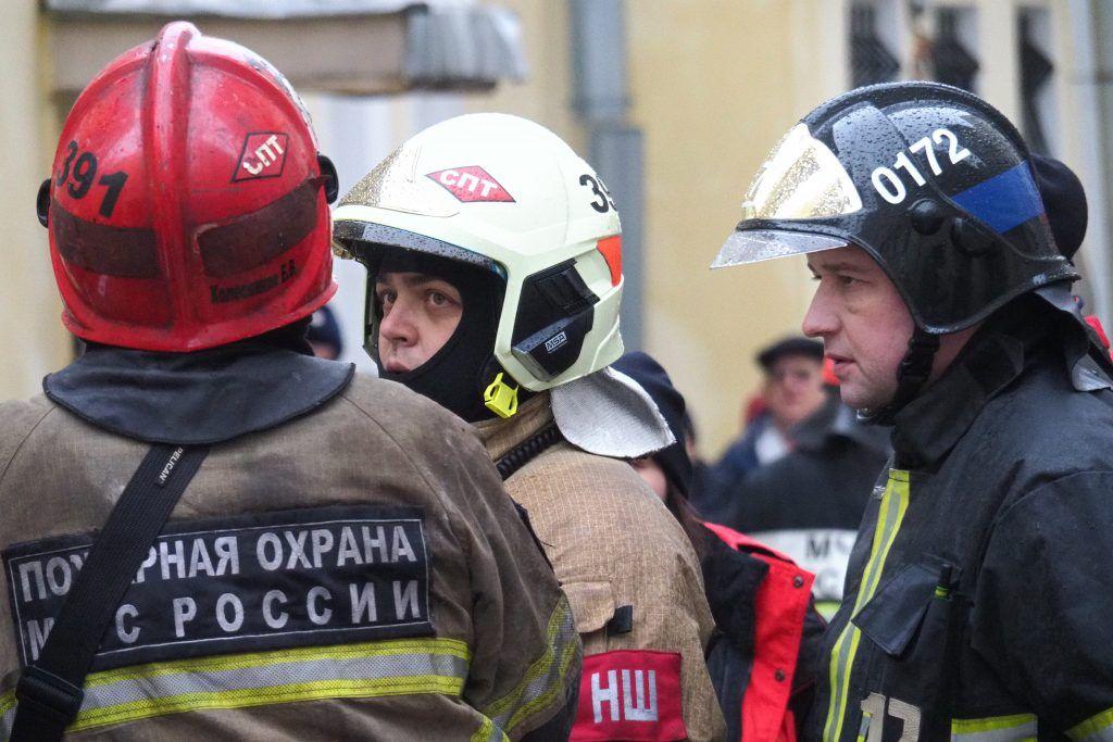 МЧС потушило пожар в здании ОКБ Сухого на севере Москвы