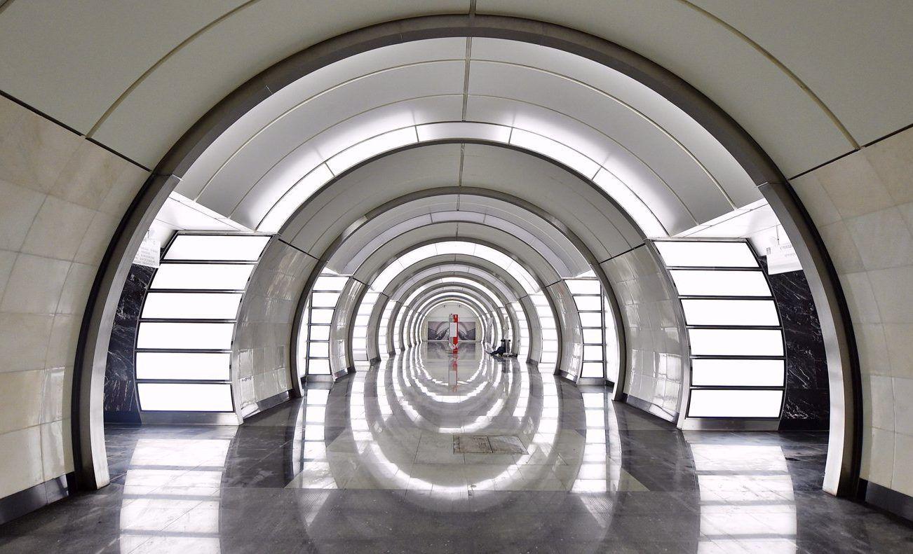 Акция «Занимайте левую сторону эскалатора» стартовала на нескольких станциях метро. Фото: сайт мэра Москвы