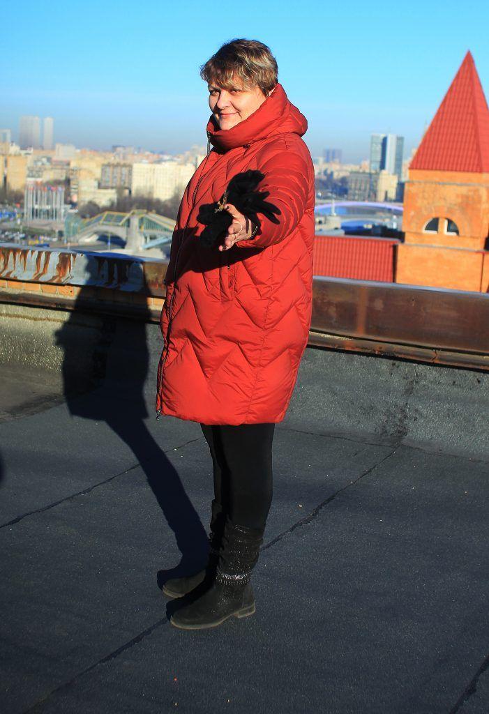 Начальник участка № 2 Светлана Гайдамащук поднялась с корреспондентом на крышу, где недавно провели ремонт. Фото: Наталия Нечаева, «Вечерняя Москва»Начальник участка № 2 Светлана Гайдамащук поднялась с корреспондентом на крышу, где недавно провели ремонт. Фото: Наталия Нечаева, «Вечерняя Москва»