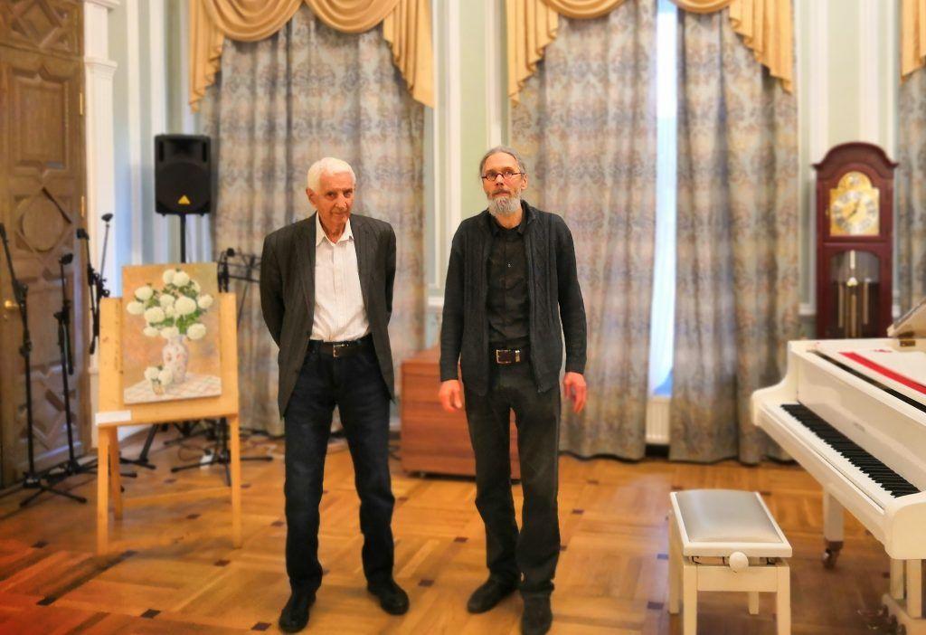 Павел Бродский (слева) и его сын Александр Бродский (справа) на открытии выставки. Фото: Зифа Хакимзянова