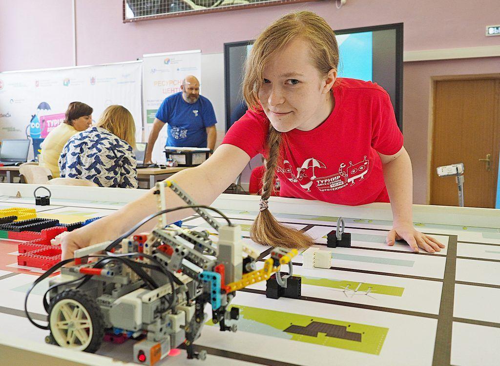 Роботы-борцы и роботы-гонщики сразятся в Москве