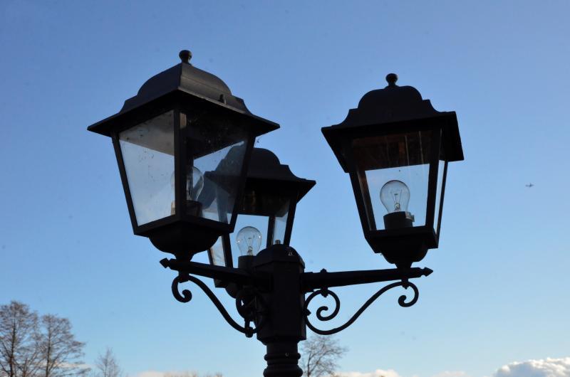 Новые фонари подключат к электричеству в районе Якиманка