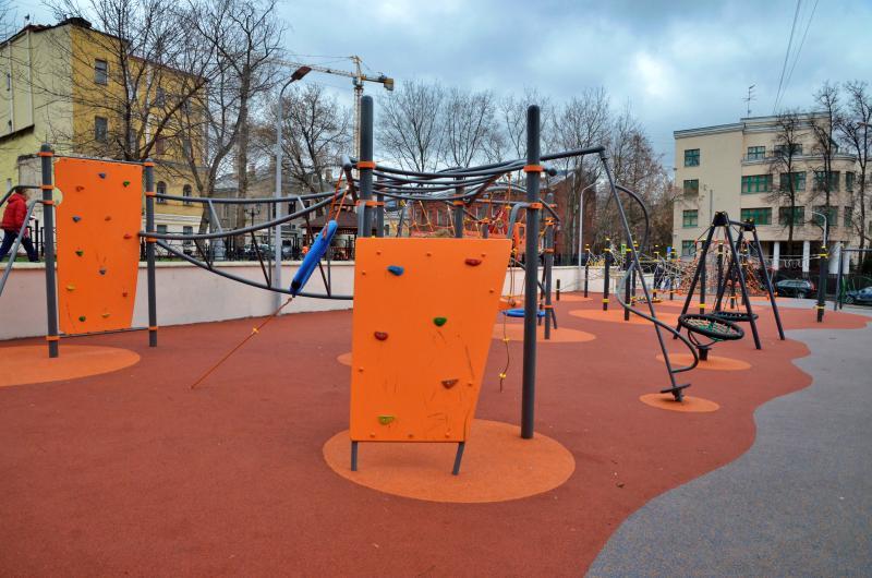 Дворы в районе Якиманка благоустроили на средства от платных парковок