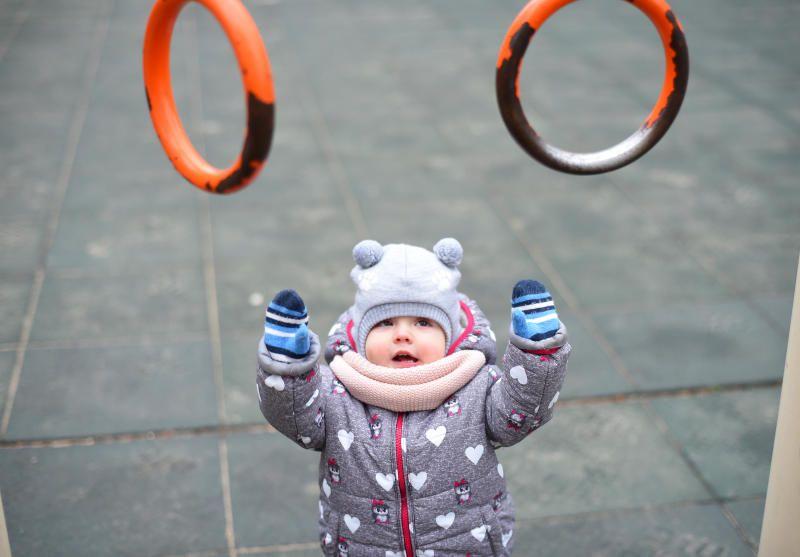 Детскую площадку отремонтировали на Озерковской набережной