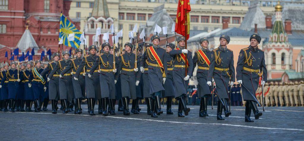 Около четырех тысяч человек примут участие в марше на Красной площади