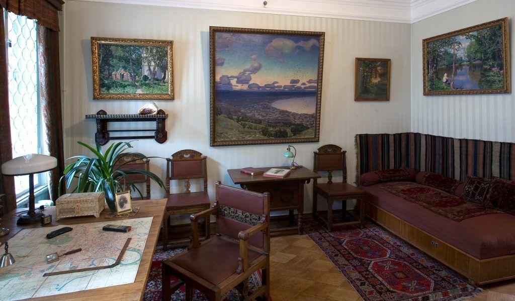 Юных москвичей пригласили на экскурсию в Дом-музей Виктора Васнецова