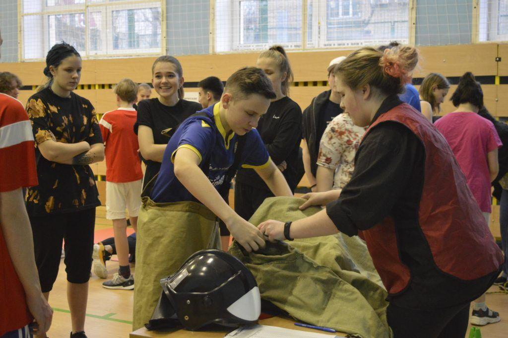 В Центральном округе проходят соревнования «Школа безопасности»