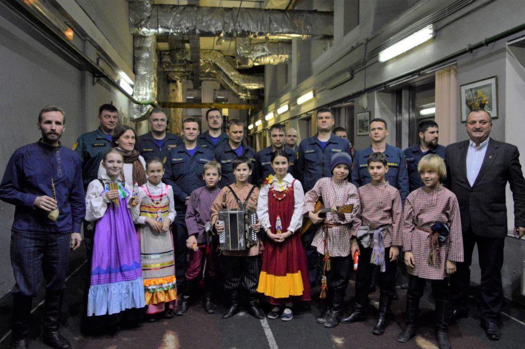 Праздничный концерт детского коллектива для пожарных и спасателей прошел в ПСО№207