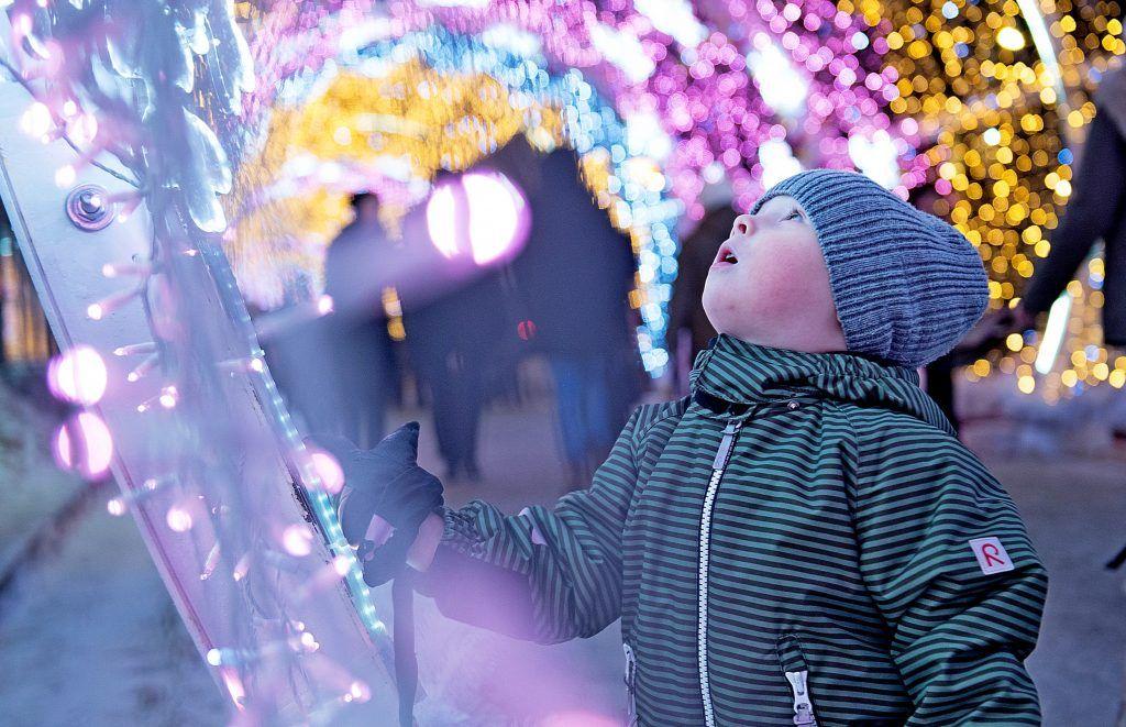 Гигантский световой тоннель украсит центр Москвы