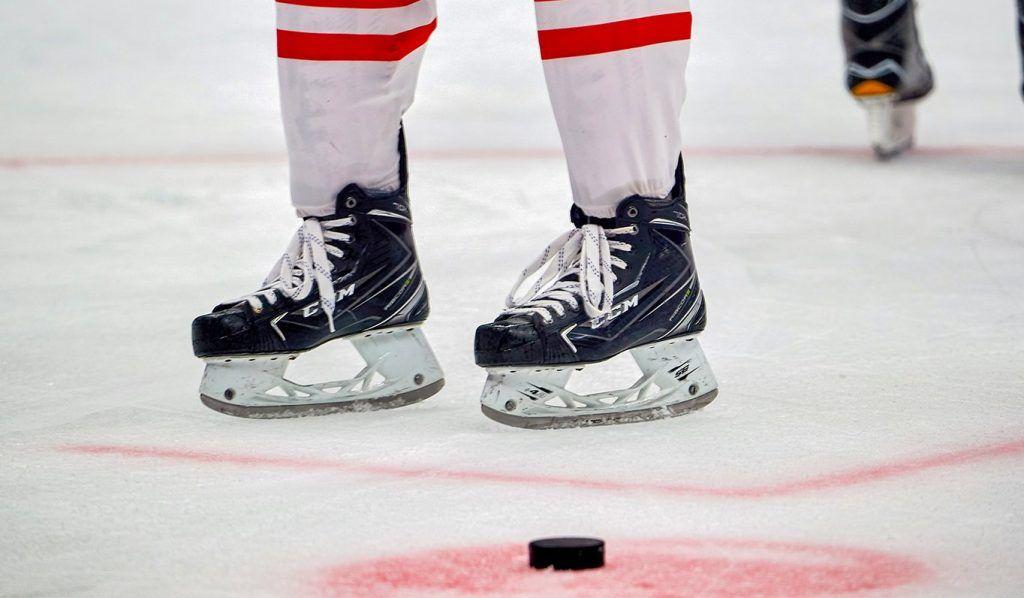 Хоккеисты из Плехановского университета проведут игру