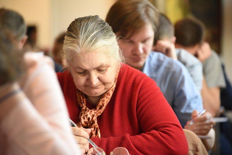 Профессиональную переподготовку в колледже Красносельского района прошли более 80 жителей старшего поколения