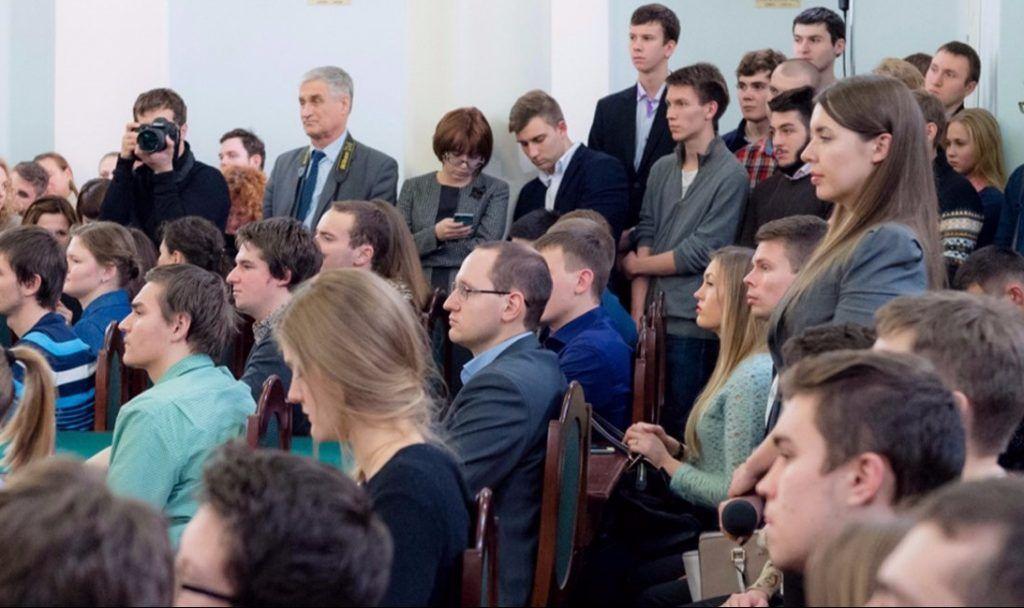 Молодые парламентарии из Центрального округа приняли участие в сьезде «Вселенная возможностей»
