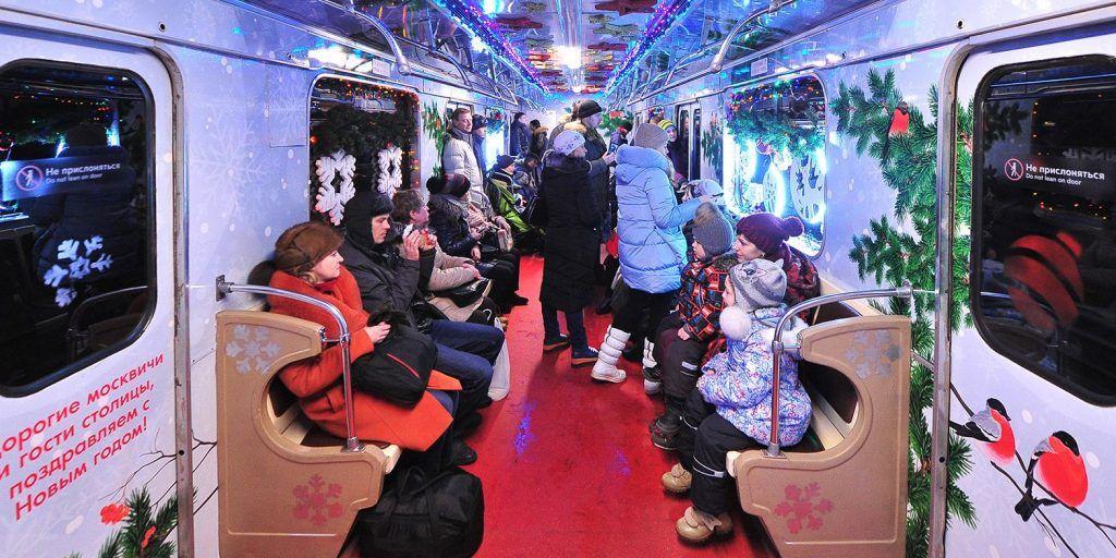 Новогодние поезда запустили на Кольцевой линии метрополитена