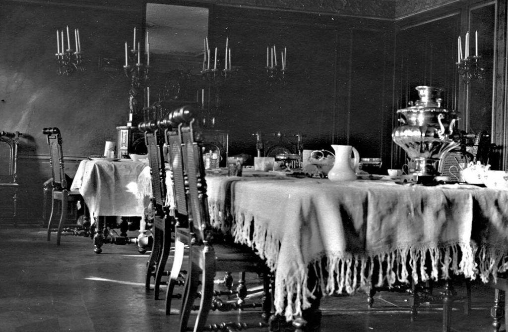Столовая в нынешнем здании библиотеки, 1910 год. Фото предоставлено сотрудниками библиотеки