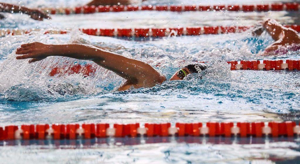 Соревнования по плаванию среди жителей старшего поколения организуют в районе Арбат