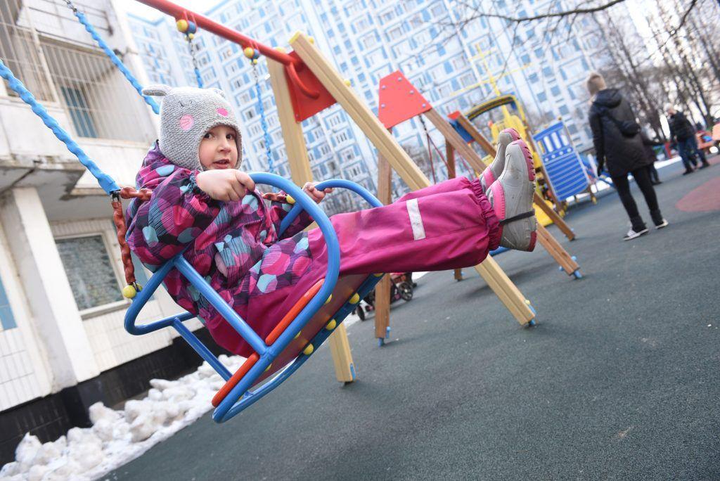 Более 200 общественных пространств благоустроили в Москве по программе «Мой район» за год