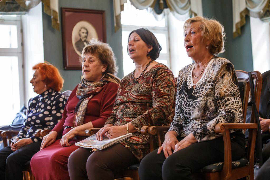 Участников проекта «Московское долголетие» пригласили на театральные постановки
