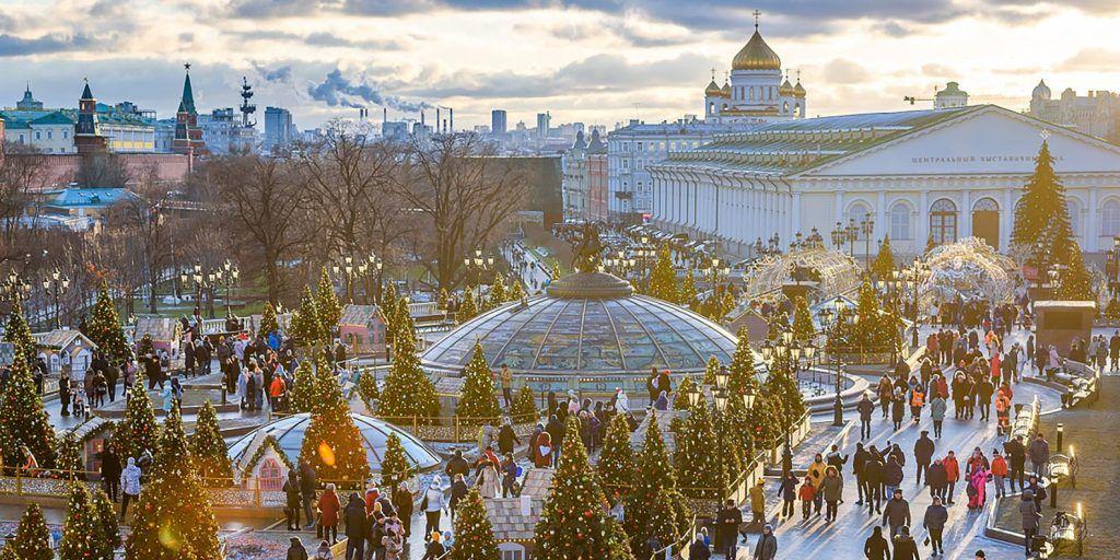 Артисты в медвежьих шапках выступят на Рождество в Москве