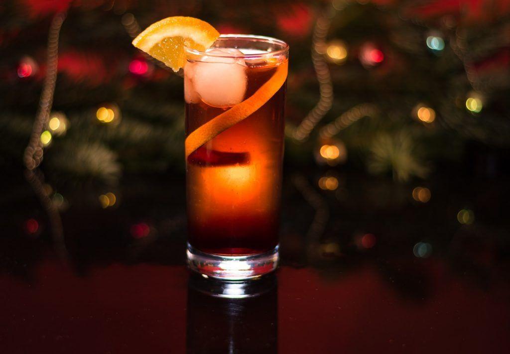 Ничего лишнего: подборка согревающих новогодних напитков