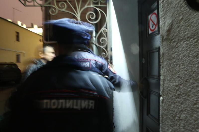 В Центральном округе полицейские задержали подозреваемого в грабеже