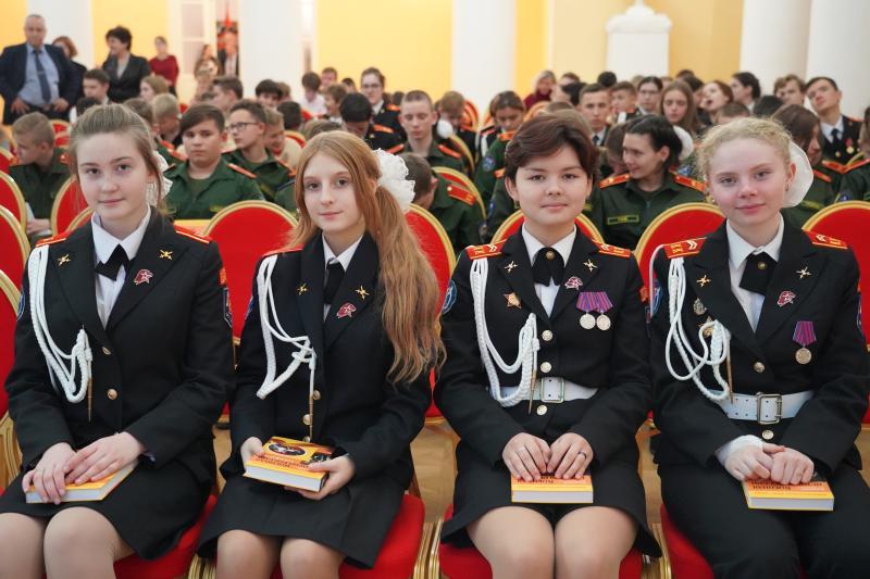 Подготовка к смотру строя и песни стартует в школе района Замоскворечье