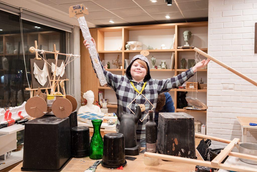 Творческие мастерские. Здесь дети и взрослые могут создать собственное произведение искусства. Фото: пресс-служба Новой Третьяковки