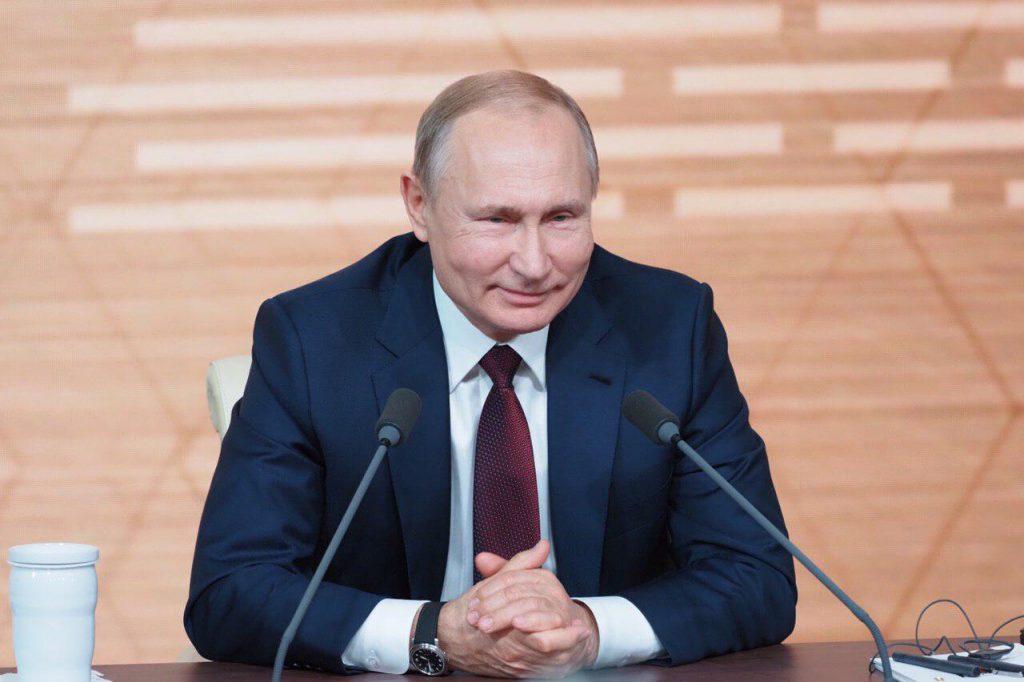 Владимир Путин поддержал идею с голосованием по поправкам к Конституции 22 апреля