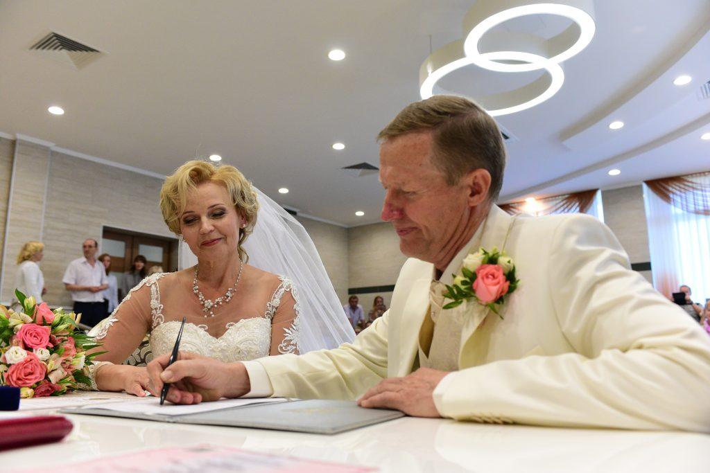 Первые ночные регистрации брака прошли в Москве в ночь на 2 февраля