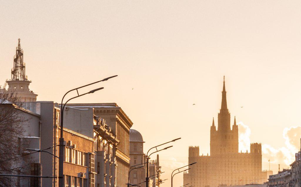 Почти рекордное тепло накроет Москву в начале следующей недели